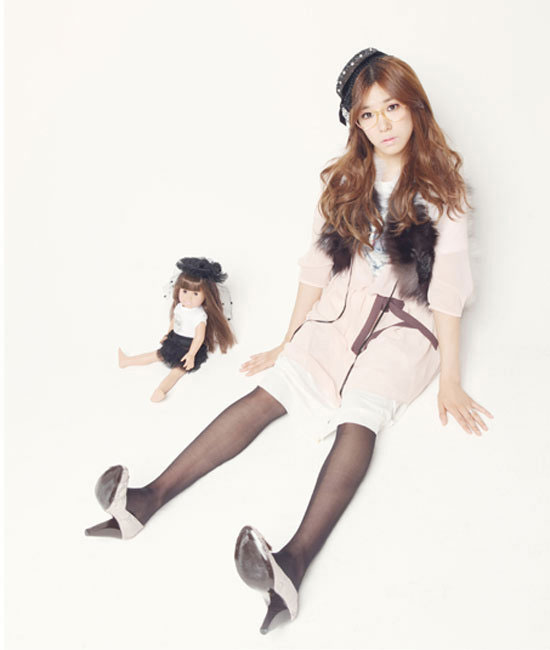Pics snsd doll up for elle magazine all koreean sweet for Elle subscription change address